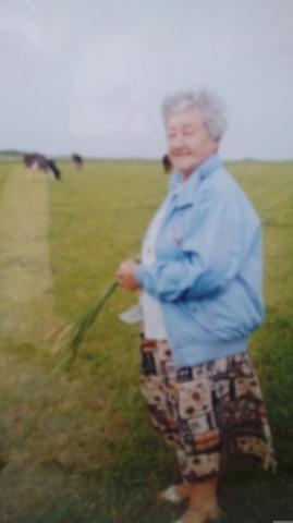 Mamuś, 1998 r.- w rodzinnych stronach.  Ostatnie Twoje zdjęcie.
