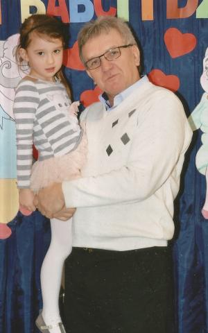Z wnuczką Wiktorią