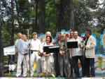 Wspólne śpiewy z Mamutami Ogniskowymi. Festyn w Świdrze 13.06.2010 r.